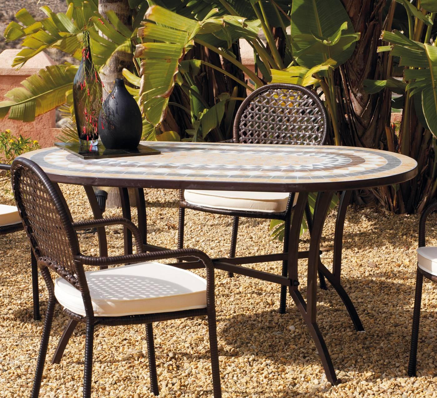 Muebles de jard n de forja con mesa tablero mosaico online for Muebles de forja para jardin