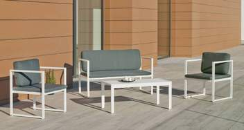 Set Aluminio Long Beach-7 de Hevea - Conjunto de aluminio apilable: sofá 2 plazas + 2 sillones + mesa de centro + cojines. Disponible en color blanco o antracita.